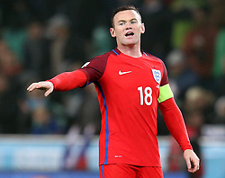 Wayne Rooney of England organises his teammates - Mandatory by-line: Robbie Stephenson/JMP - 11/10/2016 - FOOTBALL - RSC Stozice - Ljubljana, England - Slovenia v England - World Cup European Qualifier