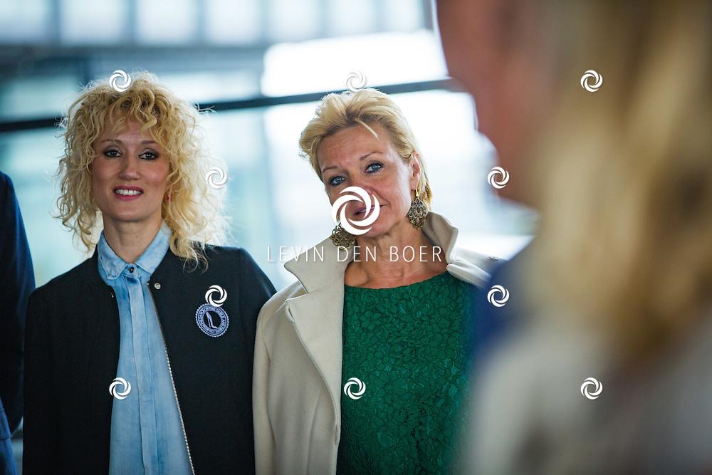 ROTTERDAM - Theater van de Klucht presenteert een nieuwe theaterproductie genaamd 'Boeing Boeing'. Met hier op de foto Femke van Assouw en Mariska van Kolck. FOTO LEVIN EN PAULA PHOTOGRAPHY VOF