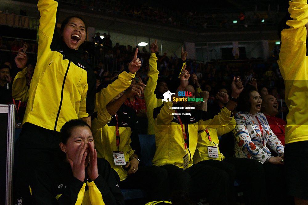 BANGKOK, THAILAND - MAY 25: Team Thailand reaction on Court 1 during the Semi-Finals match between Busanan Ongbamrungphan of Thailand against Li Xuerui of China at the BWF Total Thomas and Uber Cup Finals 2018, Impact Arena , Bangkok, Thailand on May 25, 2018.<br /> .<br /> .<br /> .<br /> Photo by: Naratip Golf Srisupab/SEALs Sports Images<br /> <br /> .<br /> All photo must include a credit line adjacent to the content: Naratip Golf Srisupab/SEALs Sports Images