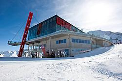 THEMENBILD - Adlerlounge im Grossglocknerresort. Die aussichtsplattform auf der Adlerlounge (2621m) ist ein beliebtes Ausflugsziel nicht nur für Wintersportler. Kals am 27.02.2010, EXPA Pictures © 2010, PhotoCredit: EXPA/ Johann Groder