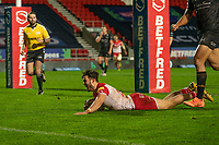 Rugby League - 2020 Betfair Super League - Semi-final - St Helens vs Catalan Dragons - TW Stadium<br /> <br /> St. Helens's James Bentley scores a try<br /> <br /> COLORSPORT/TERRY DONNELLY