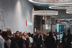 THEMENBILD - Verbraucher beginnen mit dem Einkauf ihrer Black Friday-Specials, als Lululemon um 08:00 oeffnet, aufgenommen am 29.11.2019, New Orleans, Vereinigte Staaten // Consumers begin their Black Friday specials shopping as Lululemon opens their doors at 8am, New Orleans, United States on 2019/11/29. EXPA Pictures © 2019, PhotoCredit: EXPA/ Florian Schroetter