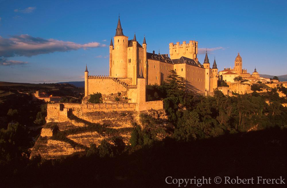 SPAIN, CASTILE, SEGOVIA Alcazar Castle and the Cathedral