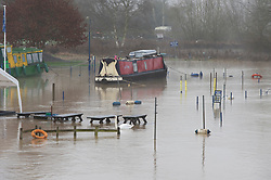 © Licensed to London News Pictures 28/12/2020.        Wateringbury, UK. The River Medway in Kent has burst its banks in Wateringbury near the Medway Wharf Marina. Photo credit:Grant Falvey/LNP