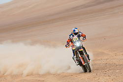 Sam Sunderland (GRB) of Red Bull KTM Factory Team races during stage 04 of Rally Dakar 2019 from Arequipa to o Tacna, Peru on January 10, 2019 // Marcelo Maragni/Red Bull Content Pool // AP-1Y39ENG5D1W11 // Usage for editorial use only // Please go to www.redbullcontentpool.com for further information. //