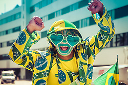 Manifestante vestido de palhaço protesta contra corrupção do país, em Fortaleza. FOTO: Jefferson Bernardes/Preview.com