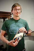 Ontwerper Floris van Bommel met de Ozark Henry sandaal