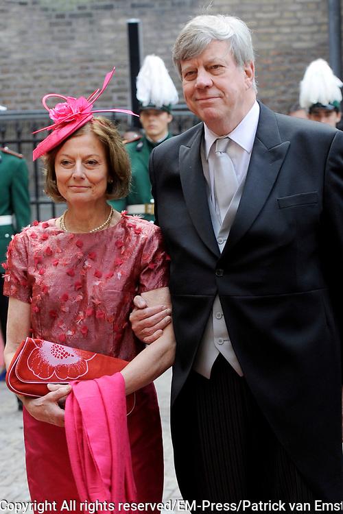 Prinsjesdag 2014 - Aankomst Politici op het Binnenhof.<br /> <br /> Op de foto:   Ivo Opstelten - Minister van Veiligheid en Justitie