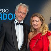 NLD/Amsterdam/20190804 -  Première Diego Maradona inloop, Renate Verhoofstad en partner
