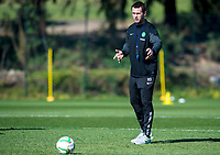 08/01/15 <br /> CELTIC TRAINING <br /> SALOBRE GOLF RESORT - GRAN CANARIA <br /> Celtic Manager Ronny Deila watches over training in Gran Canaria