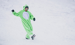 25.01.2020, Streif, Kitzbühel, AUT, FIS Weltcup Ski Alpin, Abfahrt, Herren, im Bild Zuschauer in Teletubbies Kostüm neben der Streif // Spectators in Teletubbie's costume beside the Streif during the men's downhill of FIS Ski Alpine World Cup at the Streif in Kitzbühel, Austria on 2020/01/25. EXPA Pictures © 2020, PhotoCredit: EXPA/ JFK