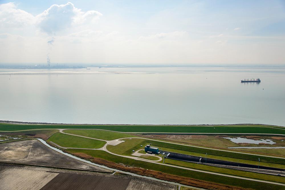 Nederland, Zeeland, Zak van Zuid-Beveland, 01-04-2016; noordelijke ingang Westerscheldetunnel met N62en zeedijk Westerschelde. Ten westen van Ellewoutsdijk.<br /> Northern entrance Westerschelde tunnel. <br /> <br /> luchtfoto (toeslag op standard tarieven);<br /> aerial photo (additional fee required);<br /> copyright foto/photo Siebe Swart