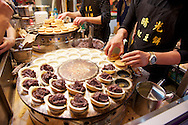 Shilin Night Market 士林夜市 - Buttermilk pancakes with redbean filling 福氣紅豆餅