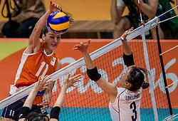 16-08-2016 BRA: Olympic Games day 11, Rio de Janeiro<br /> De Nederlandse volleybalsters staan in de olympische halve finales. In een overtuigende wedstrijd, waarin alleen de derde set werd verloren, was Oranje te sterk voor Zuid-Korea: 25-19, 25-14, 23-25 en 25-20. / Anne Buijs #11