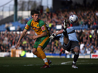 Photo: Rich Eaton.<br /> <br /> Cardiff City v Norwich City. Coca Cola Championship. 10/03/2007. Chris Martin left of Norwich and Cardiff goalkeeper Neil Alexander