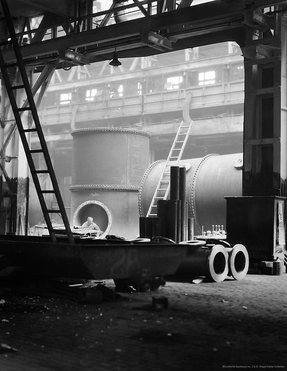Making Exhaust Pipes for Large Diesel motors, MAN Maschinenfabrik Augsburg-Nürnberg, Nürnberg, 1928