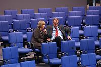 04 JUL 2002, BERLIN/GERMANY:<br /> Angela Merkel, CDU Bundesvorsitzende, und friedrich Merz, CDu, CDU/CSU Fraktionsvorsitzender, im Gespraech, Bundestagsdebatte zur Lage der Wirtschaft in Deutschland, Plenum, Deutscher Bundestag<br /> IMAGE: 20020704-01-065<br /> KEYWORDS: Gespräch