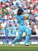 Cricket - 2019 ICC Cricket World Cup - Group Stage: England vs. South Africa<br /> <br /> England's Jos Buttler clean bowled by South Africa's Lungi Ngidi for18, at The Kia Oval.<br /> <br /> COLORSPORT/ASHLEY WESTERN
