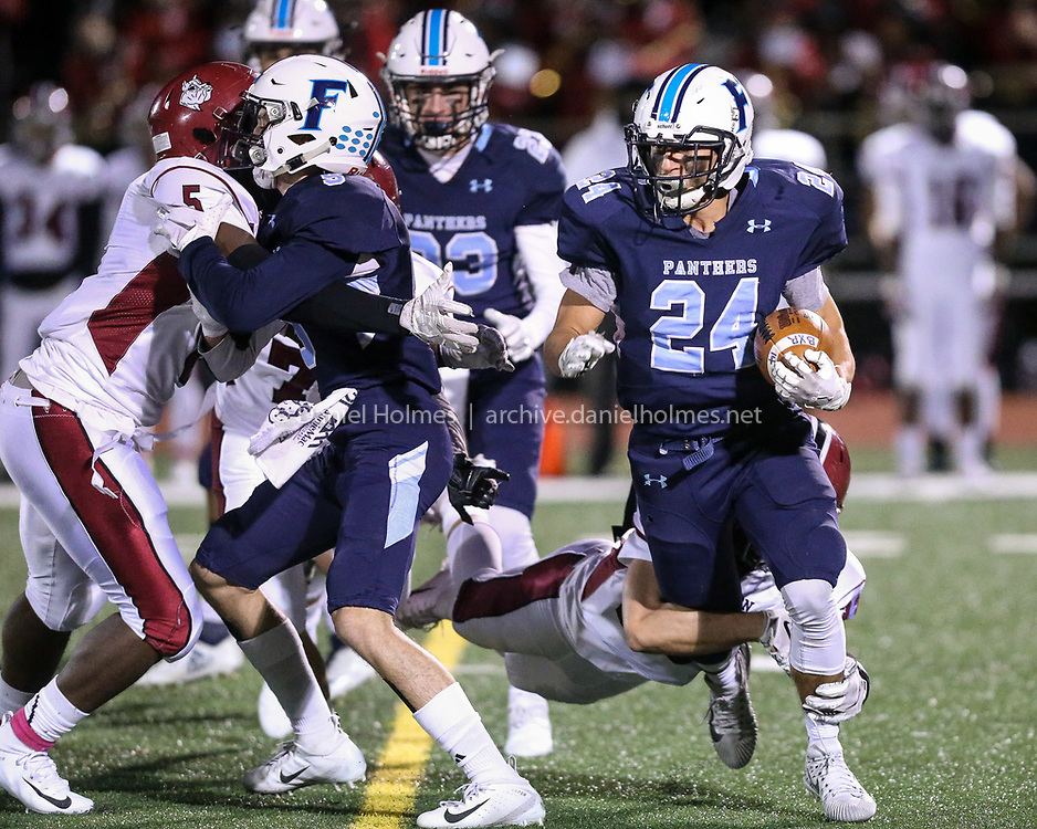 (10/26/18, FRANKLIN, MA) Franklin's Owen Palmieri  cuts to the outside during the first round of the Division 1 South playoffs against Brockton at Franklin High School on Friday. [Daily News and Wicked Local Photo/Dan Holmes]