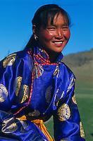 Mongolie, Province d'Arkhangai, jeune femme nomade // Mongolia, Arkhanghai province, nomadic woman