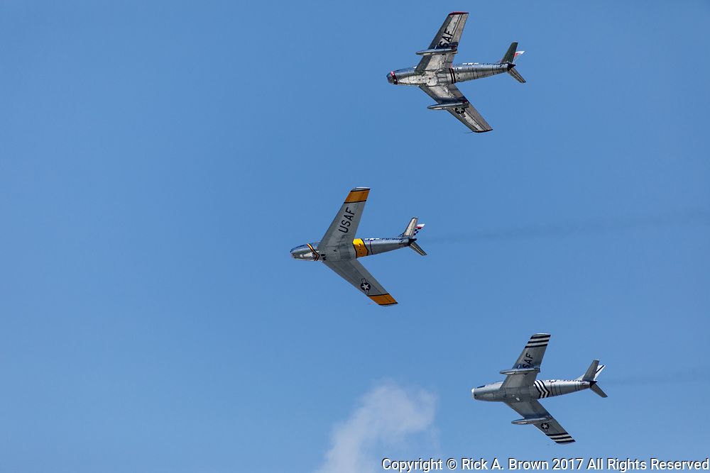 F-86 Sabers flying at Airventure 2017.