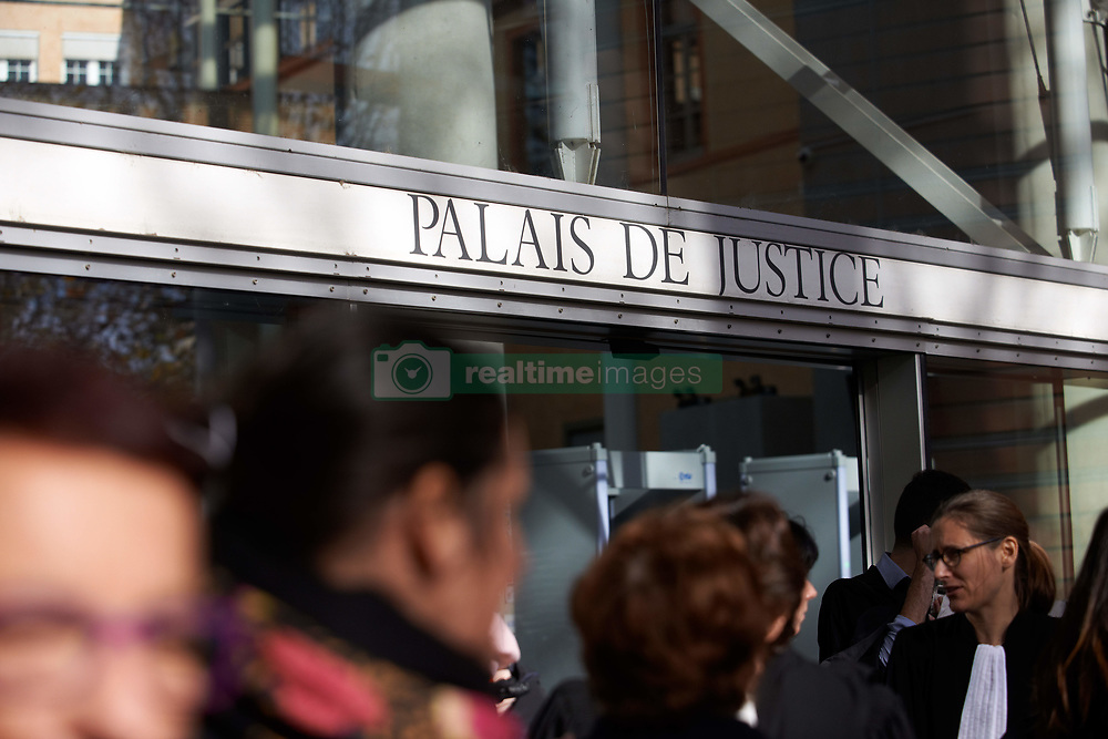 November 22, 2018 - Toulouse, France - Lawyers, counsels and magistrates gathered in front of the Toulouse' courthouse for a day called 'Dead Justice Day' in protest against the Justice reforms launched by French Ministry of Justice, Nicolas Belloubet. It's a nationwide protest against theses reforms. All unions (SAF, USM, SM, etc.) called for this 'Dead Justice' day.  Toulouse. France. November 22th 2018. (Credit Image: © Alain Pitton/NurPhoto via ZUMA Press)