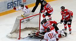 16.04.2016, Albert Schultz Halle, Wien, AUT, Testspiel, Oesterreich vs Ungarn, im Bild v.l. Vilmos Galo (HUN), Ali Wukovits (AUT), Gergoe Nagy (HUN), Michael Schiechl (AUT), Markus Schlacher (AUT) // during a International Icehockey Friendly Match between Austria and Hungary at the Albert Schultz Halle in Wien, Austria on 2016/04/16. EXPA Pictures © 2016, PhotoCredit: EXPA/ Alexander Forst