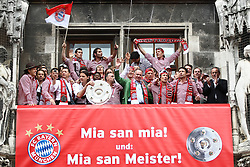 09.05.2010, Marienplatz, Muenchen, GER, 1. FBL, Meisterfeier der Bayern , im Bild Die Bayern feiern ihren Titel , EXPA Pictures © 2010, PhotoCredit: EXPA/ nph/  Straubmeier / SPORTIDA PHOTO AGENCY