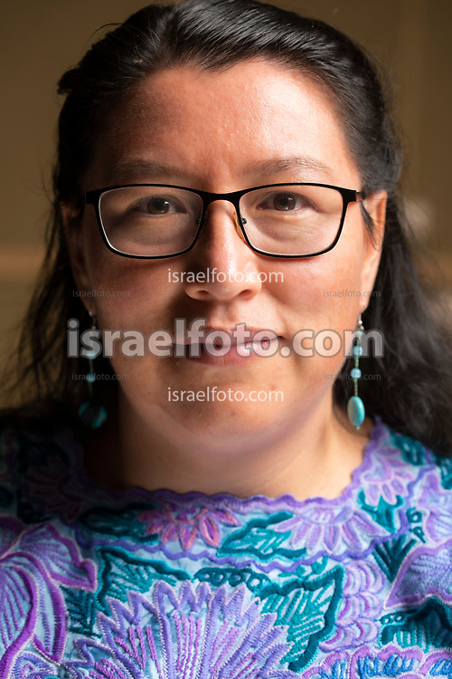 Yásnaya Aguilar, lingüista ayuujk