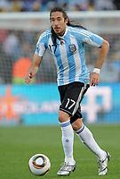 Fotball<br /> VM 2010<br /> 12.06.2010<br /> Argentina v Nigeria<br /> Foto: Witters/Digitalsport<br /> NORWAY ONLY<br /> <br /> Jonas Gutierrez (Argentinien)<br /> Fussball WM 2010 in Suedafrika, Vorrunde, Argentinien - Nigeria