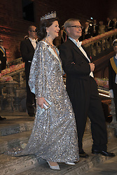 Kˆnigin  Silvia, Carl-Henrik Heldin <br /> <br />  <br /> <br />  beim Nobelbankett 2016 im Rathaus in Stockholm / 101216 <br /> <br /> <br /> <br /> ***The Nobel banquet, Stockholm City Hall, December 10th, 2016***