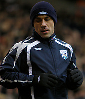 Photo: Steve Bond/Sportsbeat Images.<br /> West Bromwich Albion v Charlton Athletic. Coca Cola Championship. 15/12/2007. Sub Kevin Phillips warms up