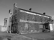 Brennanís Inn, Kilteel, Kildare, c.1900,