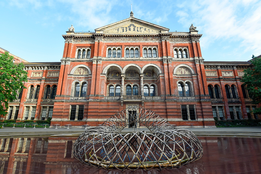 """© Licensed to London News Pictures. 13/09/2019. LONDON, UK. """"Bamboo Ring"""" by designer Kengo Kuma on display at the V&A museum as part of London Design Festival.  The festival, now in its 17th year, includes installations across the capital and runs 14 to 22 September 2019.  Photo credit: Stephen Chung/LNP"""