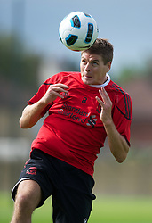18.08.2010, Melwood Trainingground, Liverpool, ENG, UEFA EL, Liverpool Fc Training, im Bild Liverpool's captain Steven Gerrard MBE, beim Kopfball während des Trainings vor dem UEFA Europa League Play-Off Hinspiel gegen Trabzonspor A.S. , EXPA Pictures © 2010, PhotoCredit: EXPA/ Propaganda/ D. Rawcliffe *** ATTENTION *** UK OUT! / SPORTIDA PHOTO AGENCY