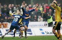 Moss 30. oktober 2005, 1. divisjon herre fotball, Moss vs Sandefjord, Andreas Tegström og Sandefjord jubler over 4-2 seieren og opprykk til tippeligaen<br /> Foto Kurt Pedersen