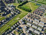 Nederland, Gelderland, Gemeente Zevenaar, 14–05-2020; Groot Holthuizen, nieuwe woonwijk in het oosten van Zevenaar, autoluwe wijk. Bemsingel, Park Het Hof (in wording).<br /> Groot Holthuizen, new residential area in the east of Zevenaar. Low-traffic neighborhood.<br /> luchtfoto (toeslag op standaard tarieven);<br /> aerial photo (additional fee required)<br /> copyright © 2020 foto/photo Siebe Swart