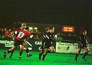 Gloucester, United Kingdom 20001223 Gloucester v Newcastle Premiership, Newcastle break away, through Jonny Wilkiinson. [Mandatory Credit, Peter Spurrier/ Intersport Images] Played At Gloucester's Kingsholm Ground.
