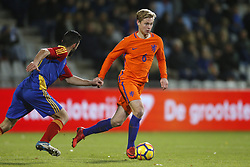 (L-R), Jordi Alaez of Jong Andorra, Frenkie de Jong of Jong Oranje during the EURO U21 2017 qualifying match between Netherlands U21 and Andorra U21 at the Vijverberg stadium on November 10, 2017 in Doetinchem, The Netherlands