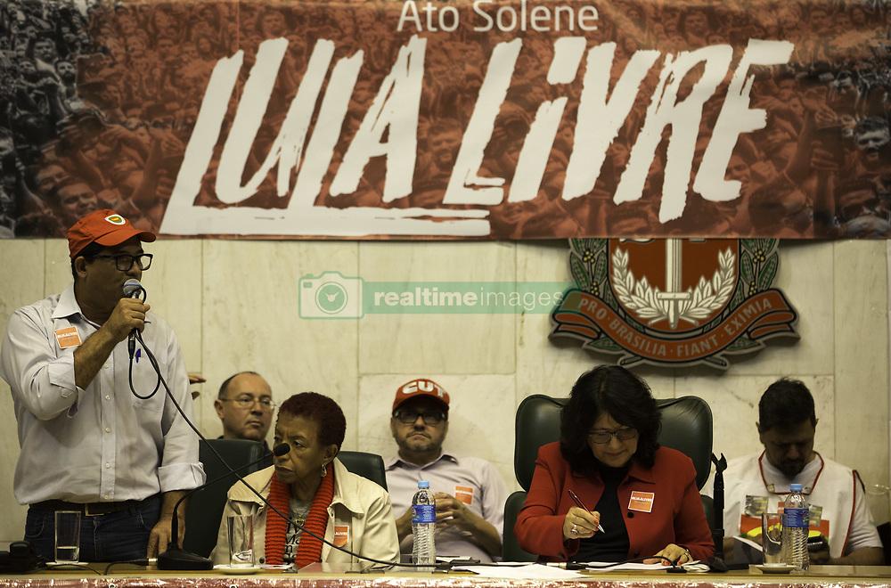 "April 17, 2018 - SãO Paulo, Brazil - SÃO PAULO, SP - 17.04.2018: ATO PRÃ"" LULA NA ALESP - Former President Lula's dom acm act on Tay brought protesters, congressmen, trade une unionists and representatives of social movements to the Juscelino Kubitschek Plenary in ALESP. (Credit Image: © Bruno Rocha/Fotoarena via ZUMA Press)"