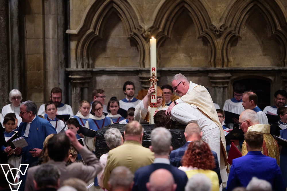 The Ceremonies of the Paschal Vigil with baptism and confirmation at Lincoln Cathedral, lead by the Bishop of Grimsby The Rt Revd David Court.<br /> <br /> Picture: Chris Vaughan Photography for Diocese of Lincoln<br /> Date: April 20, 2019