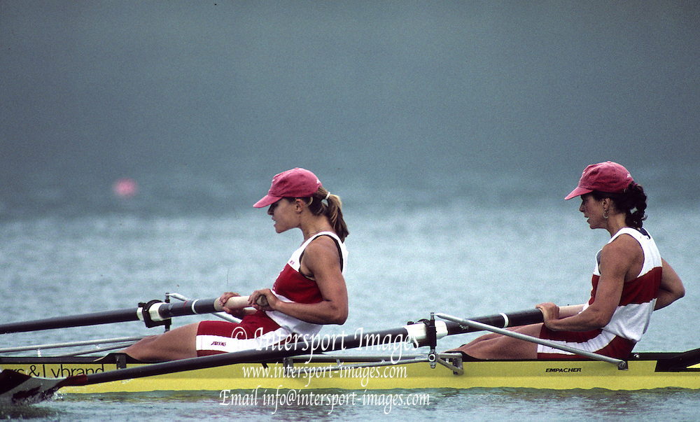 Barcelona, SPAIN.  CAN W2X,  stroke, Katherine HEDDLE and  bow Marnie MCBEAN,  1992 Olympic Rowing Regatta Lake Banyoles, Catalonia [Mandatory Credit Peter Spurrier/ Intersport Images]