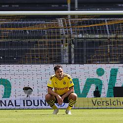 Enttäuschung Mats HUMMELS, BVB nach Tor zum 0:2<br /> <br /> firo, Sport: Fussball: 1. Bundesliga: Saison 2019/2020, 27.06.2020,34. Spieltag,<br /> BVB, Borussia Dortmund - TSG Hoffenheim<br /> <br /> Foto: Ralf Ibing / firosportphoto / POOL/PIX-Sportfotos<br /> <br /> Nur für journalistische Zwecke! Only for editorial use! <br /> <br /> <br /> Foto © PIX-Sportfotos *** Foto ist honorarpflichtig! *** Auf Anfrage in hoeherer Qualitaet/Aufloesung. Belegexemplar erbeten. Veroeffentlichung ausschliesslich fuer journalistisch-publizistische Zwecke. For editorial use only. DFL regulations prohibit any use of photographs as image sequences and/or quasi-video.