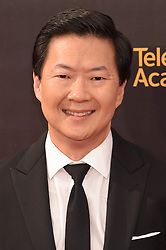 Ken Jeong bei der Ankunft zur Verleihung der Creative Arts Emmy Awards in Los Angeles / 110916 <br /> <br /> *** Arrivals at the Creative Arts Emmy Awards in Los Angeles, September 11, 2016 ***
