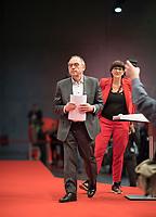 DEU, Deutschland, Germany, Berlin, 06.12.2019: Die beiden neu gewählten SPD-Parteivorsitzenden Norbert Walter-Borjans und Saskia Esken nach der Bekanntgabe des Wahlergebnisses beim Bundesparteitag der SPD im CityCube.