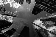 New York - reflections of the sky on Louis vuitton building.  fifth avenue / reflets du ciel sur l immeuble de Louis Vuitton sur la cinquieme avenue. Manhattan, New York - Etats-unis