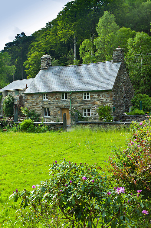 Typical Welsh stone cottage with Welsh slate roofs in Snowdonia, Gwynedd, Wales