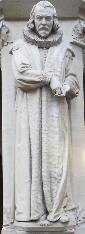 Bacon, statue
