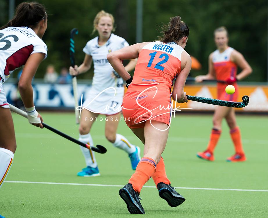 SCHIEDAM - Lidewij Welten (Ned)   tijdens een oefenwedstrijd tussen  de dames van Nederland en Belgie , in aanloop naar het  EK Hockey, eind augustus in Amstelveen. COPYRIGHT KOEN SUYK