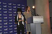 Yoko Ono with Tomma Abts, Turner Prize 2006. Tate Gallery. London. 4 December 2006. ONE TIME USE ONLY - DO NOT ARCHIVE  © Copyright Photograph by Dafydd Jones 248 CLAPHAM PARK RD. LONDON SW90PZ.  Tel 020 7733 0108 www.dafjones.com